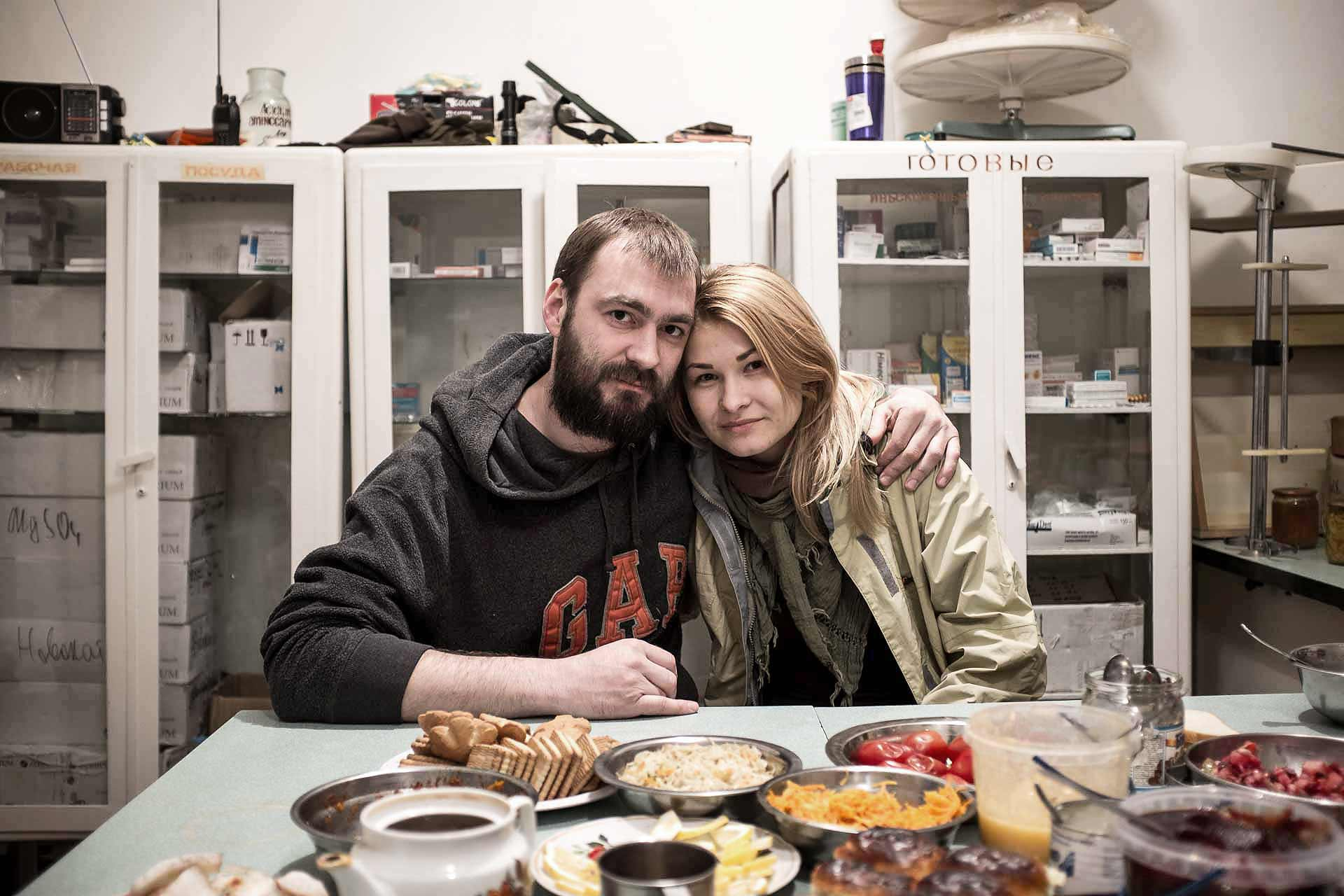 Valentyn and Evgeniya, 32 and 24, volunteers from Karkiv. They brought goods to the hospital and pursued their road to Lugansk Oblast by night. Highly involved in volunteering, in Ukraine but also abroad, they aim at showing to Europe authorities the real war that take place in east of Ukraine. Bakhmout - UKRAINE