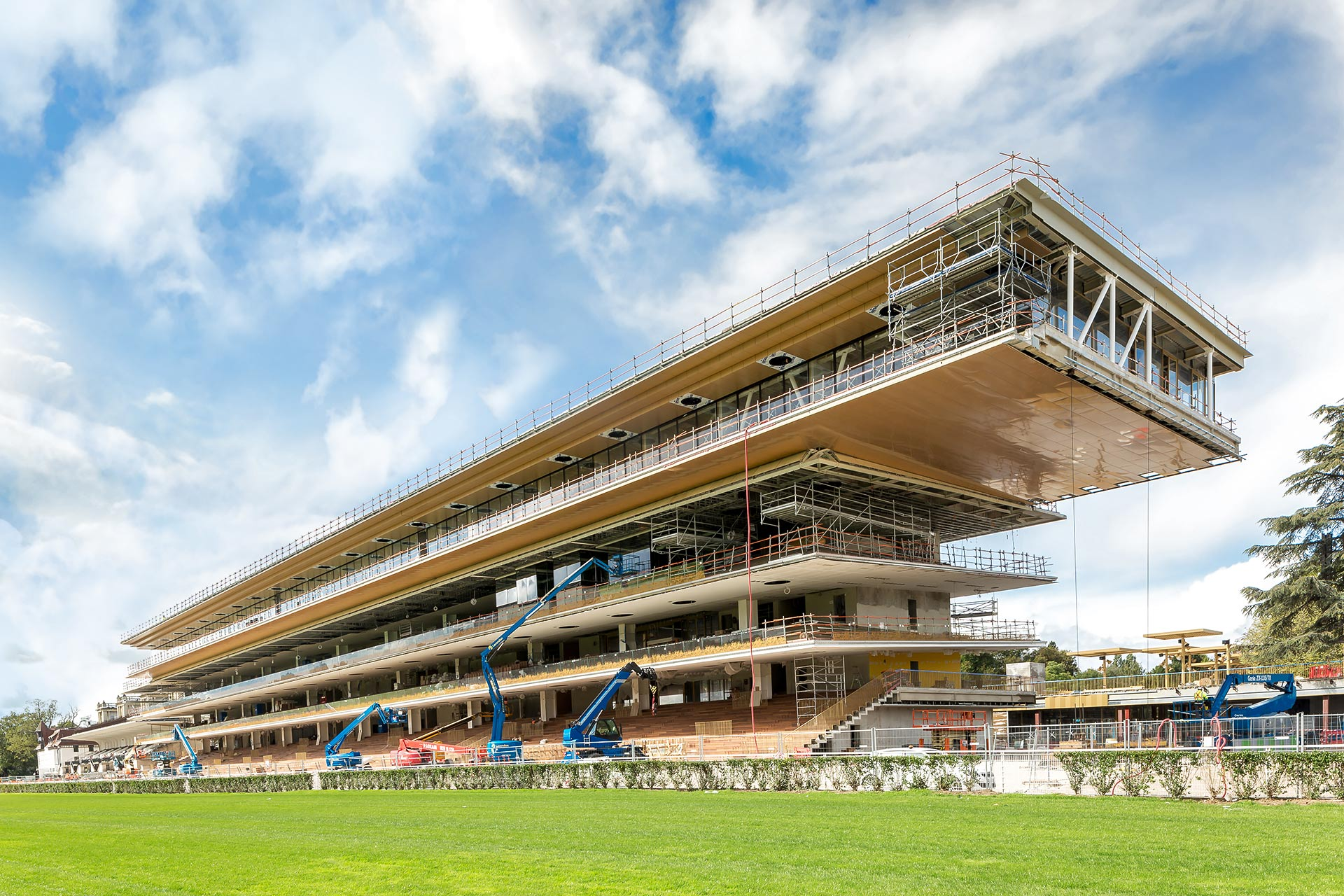 Longchamp racecourse : between history and modernity